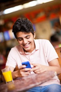 zMessenger-launches-British-Councils-'Learn-English-via-Mobile'-with-Robi-Axiata,-Bangladesh
