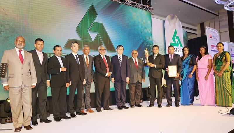 PHOTO-01---The-Noritake-Team--with-the-JASTECA-CSR--Sustainability-2018-Gold-Award