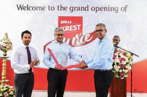 Launch of the Ezy Rice range (from left)Mr. Sumudu Thanthirigoda, CEO of Keells Food Products PLC, Mr. Krishan Balendra, Chairman of John Keells Holdings PLC and Mr. Daminda Gamlath, President, Consumer Food Sector of John Keells Holdings PLC