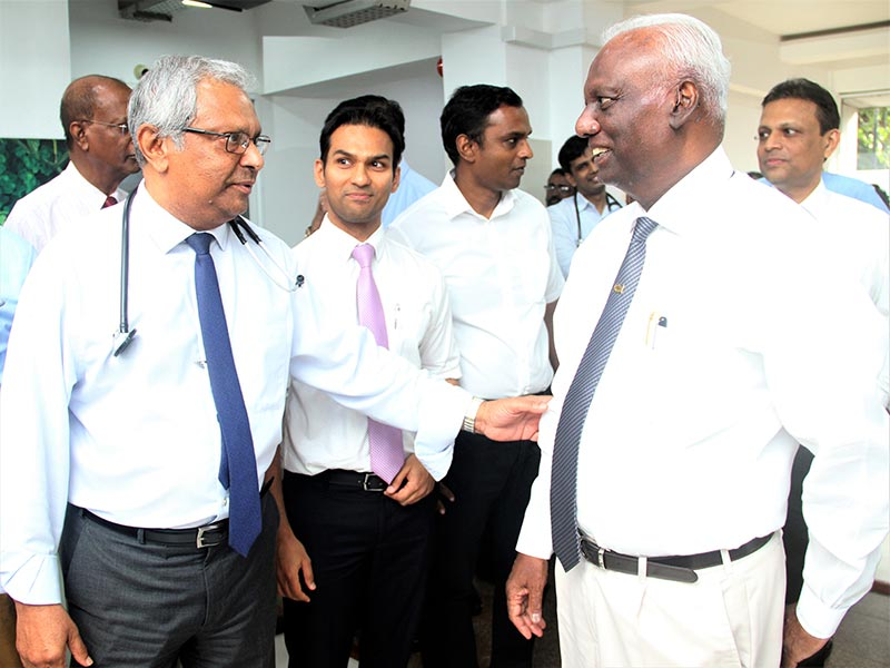 Nawaloka Hospitals Chairman Dr. Jayantha Dharmadasa with Dr. Vajira Thennakoon at the opening ceremony