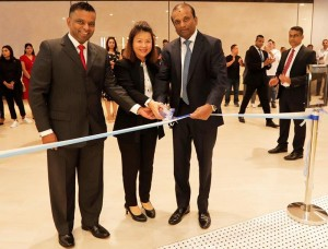 From Left to Right : Mr. Suresh Jayawardena - Chief Executive Officer, Softlogic Holdings PLC, Mrs. Eileen Lam – Franchise Operations Manager Crystal Jade Culinary Concepts holdings, Mr.Ashok Pathirage - Chairman and Managing Director, Softlogic Holdings PLC cut the ribbon to  open Crystal Jade Hong Kong Kitchen restaurant at Shangri-La's One Galle Face Mall.