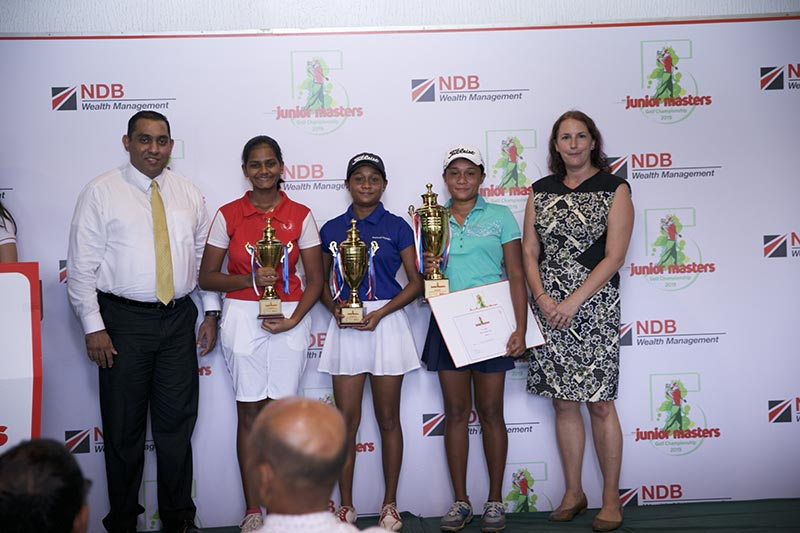 (From Left to Right) NDB Wealth Management Chief Operating Officer Ruwan Perera with winners of NDB Private Wealth Junior Masters Golf Championship 2019 Senior Division (Girls) Arika Wickramasinghe, Sherin Balasuriya and Taniya Balasuriya along with Guest of Honour Ms. Sarah Philip Principal of Colombo International School (CIS).