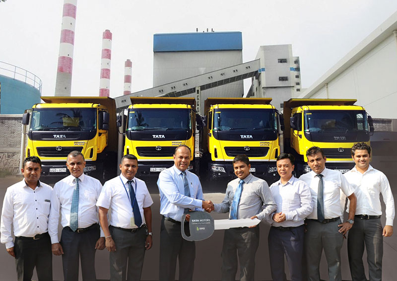 The TATA PRIMA 2525 LX Tippers were handed over by Vijitha Bandara (Director) – DIMO to Sanjeewa Priyadarshana (Mechanical Engineer) CEB Lakvijaya Power Plant. Sampath Kumarasinghe (DGM) – TATA Commercial Vehicles Sales - DIMO, Bodh Mukhia (Country Manager) – TML, Prasanna Mapatunagamage (BUM) – Colombo Branch- DIMO, Anubhav Bali (Area Manager Trucks and Buses) – TML, Sanjeewa Sooriyaarachchi (Senior Sales Executive) – DIMO, Dammika Samaranayake (Manager Application) - DIMO were also present at this ceremony