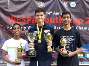 1st Runner Up Janul de Silva with WESPA Champion, Tarin Pairor and 2nd Runner Up Yash Potnis from Thailand and India, respectively.