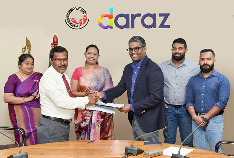 The MoU was signed by Mr. Saman Bandara – Samurdhi Director General on behalf of the Ministry of Samurdhi and Mr. Rakhil Fernando – Managing Director/ Country Head of Daraz Sri Lanka