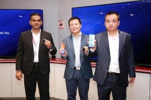 From Left:  Huawei Consumer Business Group Sri Lanka, Head of Marketing- Charitha Karunarathne, Head of Products- David Xukai, Country Head-Peter Liuyi