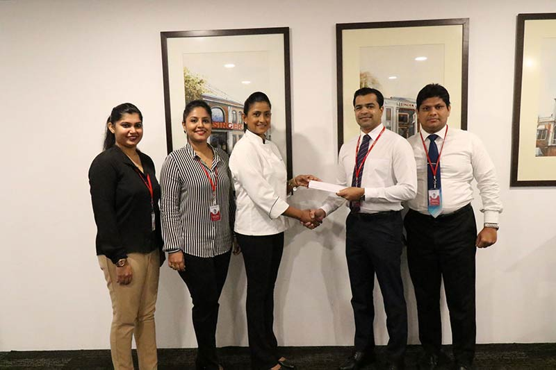 Singer Marketing team led by Shanil Perera, Marketing Director, Singer Sri Lanka (PLC) sharing the partnership agreement with Dushanthi Madanayake