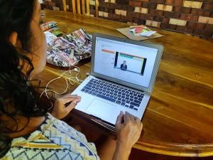 A-student-using-Guru.lk
