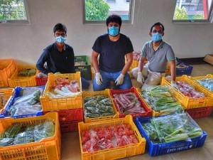 Eat Me, Sri Lanka Team with produce