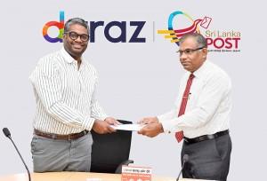 Rakhil Fernando – Managing Director of Daraz Sri Lanka and Ranjith Ariyaratne - Post Master General of Sri Lanka Post at the signing of the MOU.
