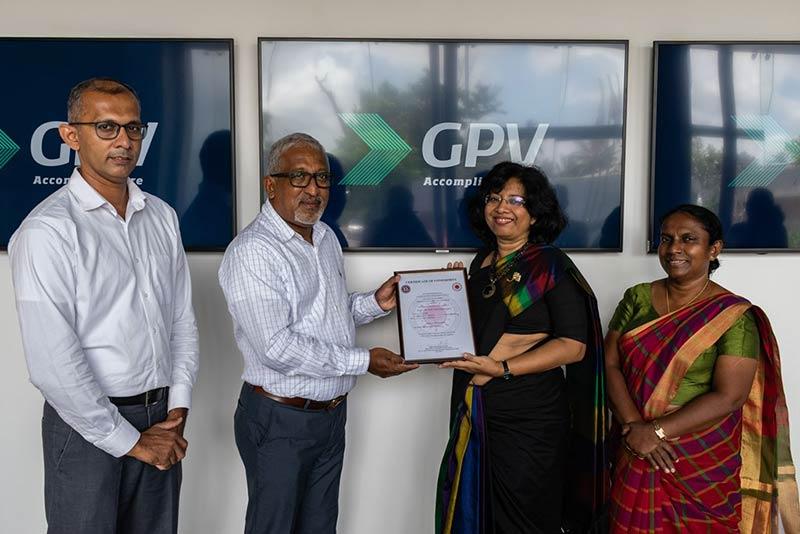 Mrs. Siddhika G. Senaratne, Director General of Sri Lanka Standards Institution (SLSI) handing over the certificate to GPV Electronics in Sri Lanka