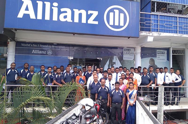 The Allianz Lanka team at the on-ground community engagement program in Bandarawela