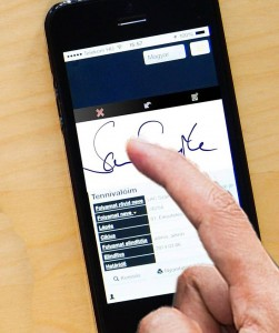AIA introduces enterprise grade, secure remote digital signatures, a first in Sri Lanka's life insurance industry
