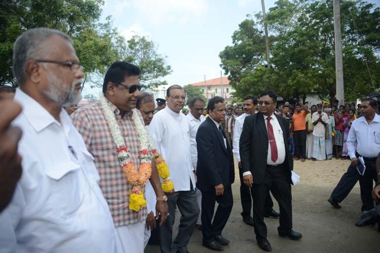 glas Devananda,Kumara Welgama,Susil Premajayantha,Governor G A Chandrasiri,S L Gupta(GM IRCON) on arrival at the KKS Station