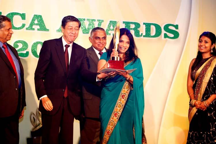 PHOTO 01 – Hemas Piyawara clinches JASTECA CSR Gold Award 2014