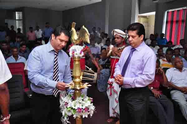 Mr. Dinesh Fernandopulle, CEO Synapsys Lighting the Oil Lamp