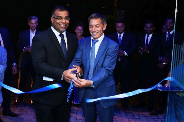 airman & MD of Wilkins Group UK André Wilkins and Director of Wilkins Spence Sri Lanka Yasantha Suriyapperuma CUT THE RIBBON