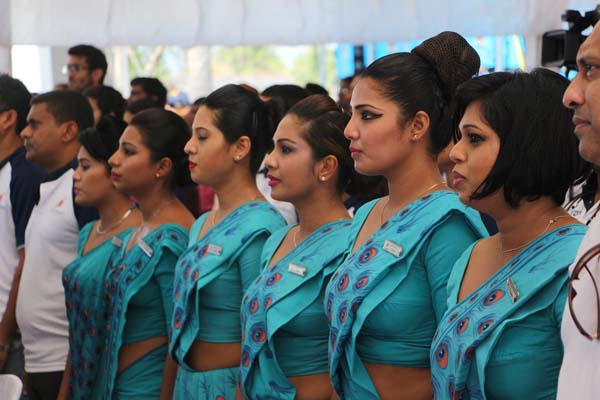 SriLankan Airlines staff at the closing ceremony of TrailSL