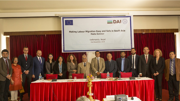Group photo at the _Making Labour Migration Easy and Safe in South Asia_