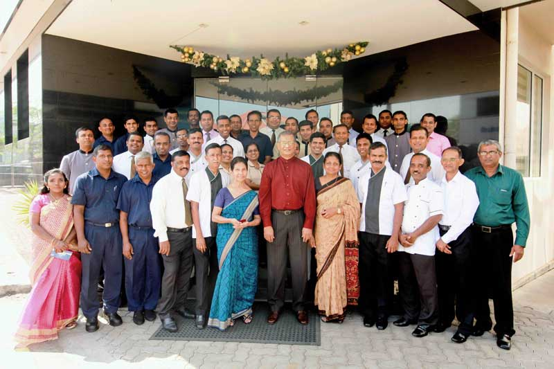 Renuka-City-Hotel-honours-and-rewards-46-long-serving-employees–01