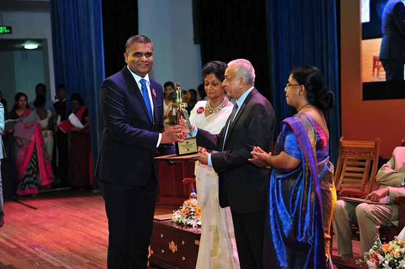 Zone24x7-Presidential-Award-Photo