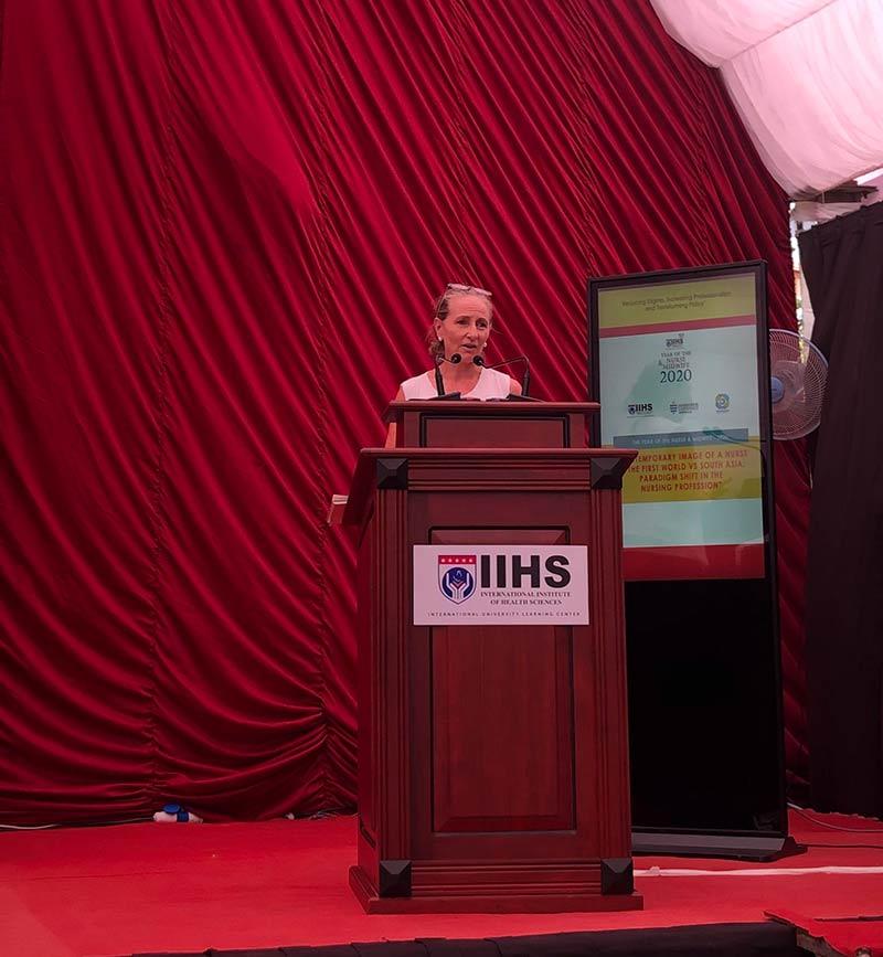Dr.-Helena-Harrison-(James-Cook-University)