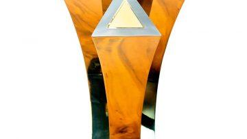 Pix-2—The-Trophy